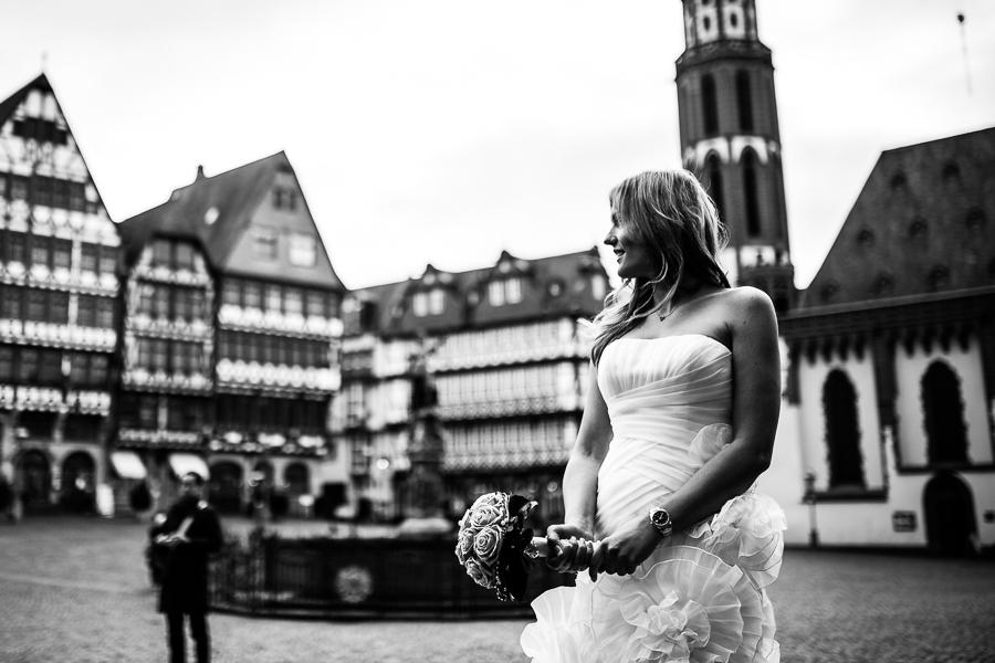 Braut vor Hochzeit im Römer
